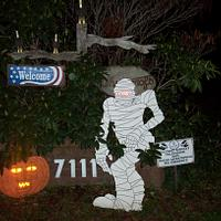 putting away Halloween decorations  - Woodworking Project by Wheaties  -  Bruce A Wheatcroft   ( BAW Woodworking)