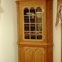 Corner cabinet - Woodworking Project by Fred Hargis