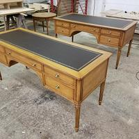 Desk repoduction - Woodworking Project by Les Hastings