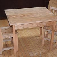 Kids table and chairs - Woodworking Project by Bill