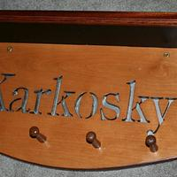 A Family Coatrack and Shelf - Woodworking Project by Kelly