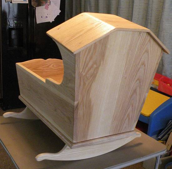 Grand Daughters Cradle - Woodworking Project by Tony