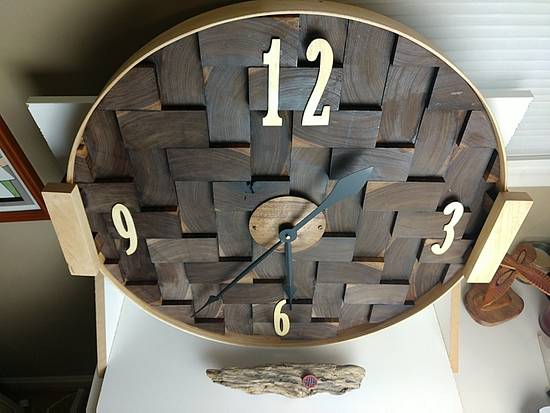 Walnut End Grain Clock - Woodworking Project by Galvipa