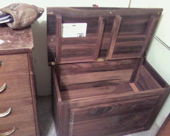 Hope Chest - Woodworking Project by DR. Reno
