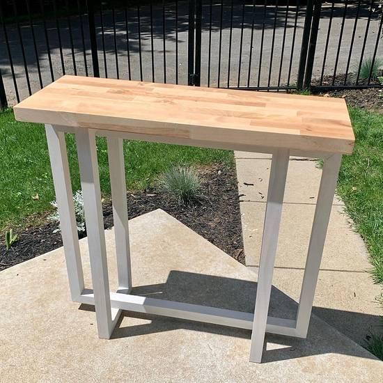 Simple but modern console table  - Woodworking Project by StarsinicWoodworks