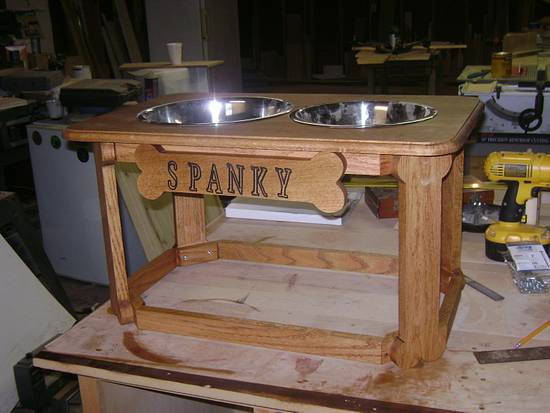 Elevated Dog Feeder - Woodworking Project by David Roberts