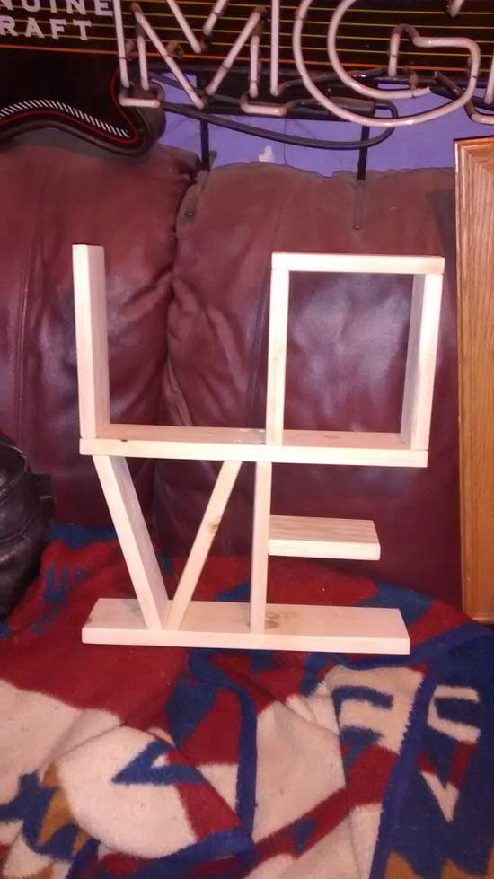 """""""Love"""" shelf - Woodworking Project by Roy"""
