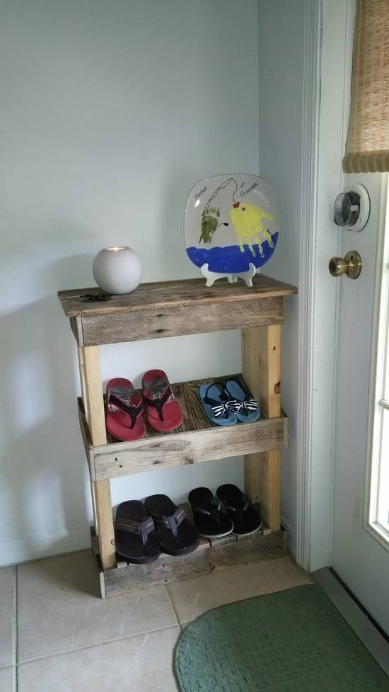 Pallet Wood Flip-Flop Rack - Woodworking Project by Ben Buxton