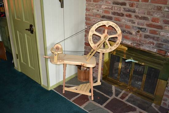 rustic spinning wheel - Woodworking Project by Tom Haggerty