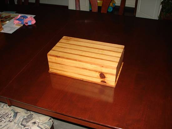 Box for a 5 year old girl. - Woodworking Project by Madts