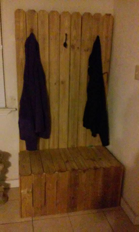 coat rack with storage - Woodworking Project by Kevin