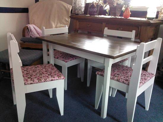 Child's table and chair set. - Woodworking Project by jbartle