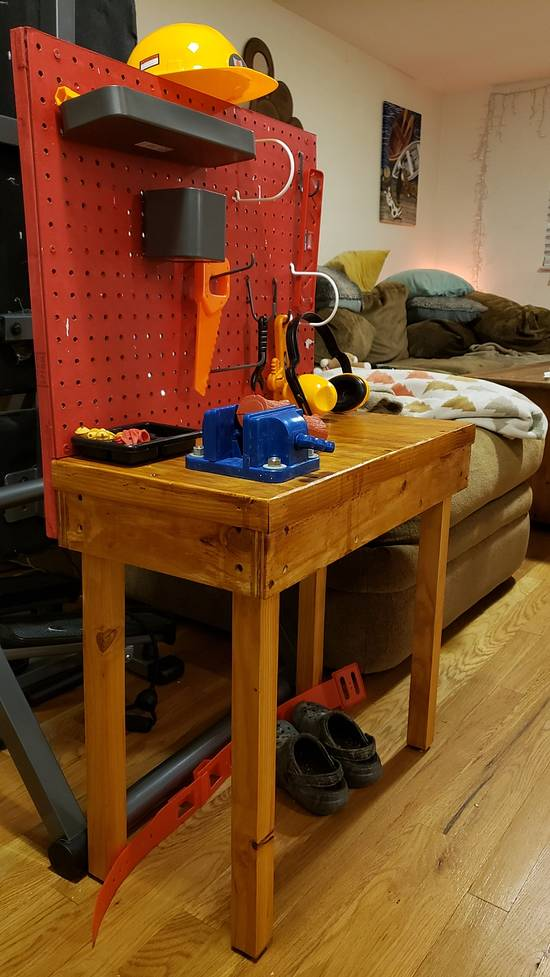 Little woodworker bench - Woodworking Project by Brian