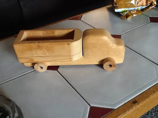 Toy truck - Woodworking Project by Thorreain