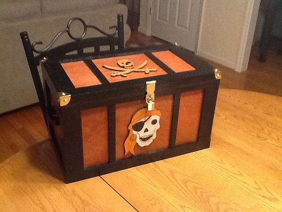 Pirate treasurer chest - Woodworking Project by Jack King