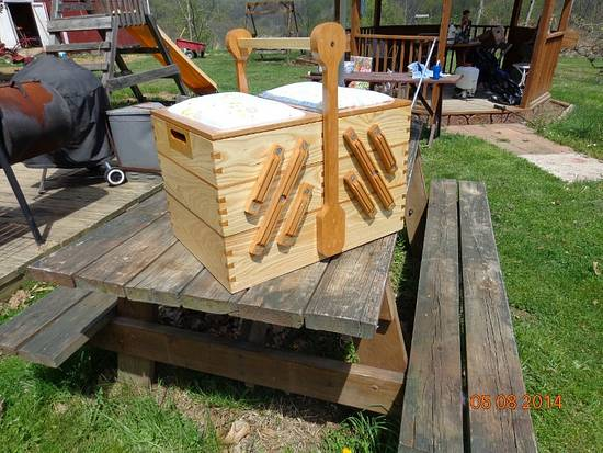 My first woodworking creation...a sewing box - Woodworking Project by MontyJ