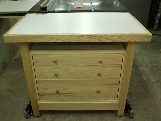 Outfeed Table/Workbench With Storage - Woodworking Project by kdc68